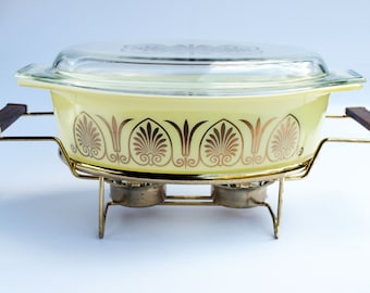 Vintage promotional pyrex Golden Classic Casserole Dish brand new in box 2 1/2 quart with lid