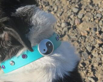 Beautiful handmade, teal, biothane dog collar with yin yang and bling! 16 inches long.