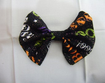 Boo Halloween Bow