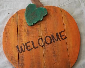 Rustic Pumpkin Welcome Sign