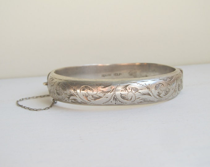 Vintage UK hallmarked Sterling silver bangle bracelet, Victorian style with safety chain hallmarked Birmingham 1961