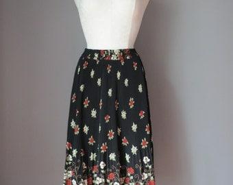 Vintage 1970s - Floral Maxi Skirt - Pleated