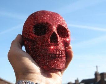Glitter Skull - Human Replica skull, Plaster of Paris, base paint, lacquered, covered with glitter with a layer of lacquer.