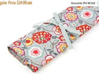 Sale 25% OFF Large Knitting Needle Case Organizer - Loose Floral - 30 gray pockets for circular, straight, dpn, or paint brushes