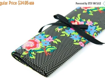 SALE Large Knitting Needle Case Organizer - Twill Bouquet Black - 30 black pockets for straight, circular, double point needles or paint bru
