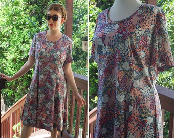 Summer FLOWERS 1960's 70's Vintage Light Blue + Peach Floral Shift Dress with Short Sleeves // by Casual Maker // size Medium