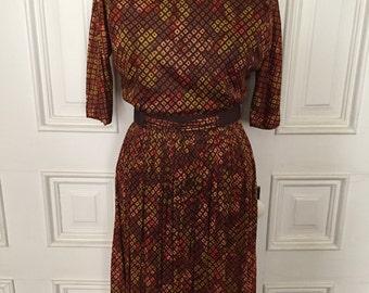 Vintage 1960s digi floral print dress
