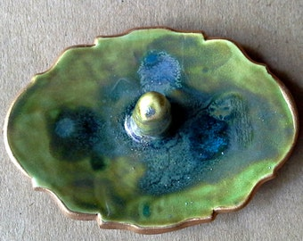 Ceramic Ring Holder edged in gold Moss Green