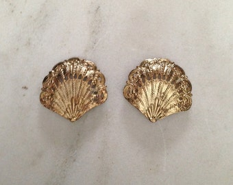 Vintage Shoe Clips, 1960's, Gold Tone Metal, Shell Shape