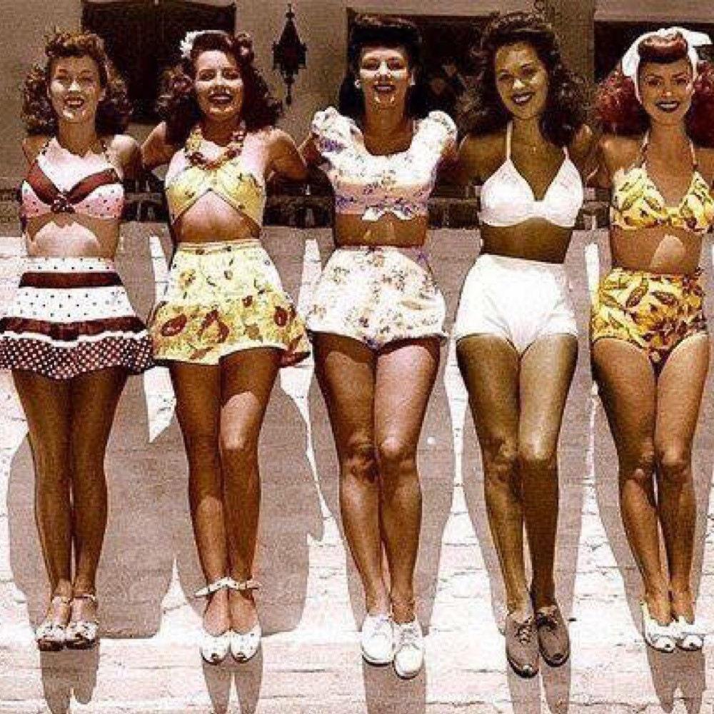 Девушки в купальниках 70х