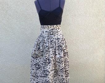 Vintage 80s retro kahaki graphic print full skirt ~ retro ~ street fashion ~ high waist