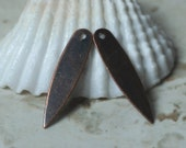 Antique copper drop dangle size 21x5mm, 16 pcs (item ID YWXW00998AC)