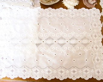Vintage White Eyelet Doilies Set of 3 Shabby Cottage Dresser Boudoir Decor