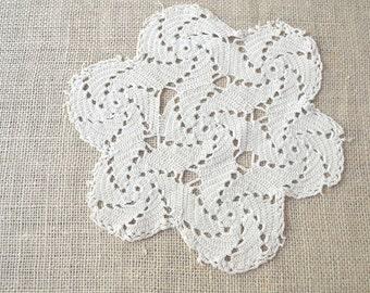 Vintage Doily, Cream Doily, Crocheted Doily, Cotton Doily, 1940's Doily, Handmade Doily, Floral Doily, Vintage Household