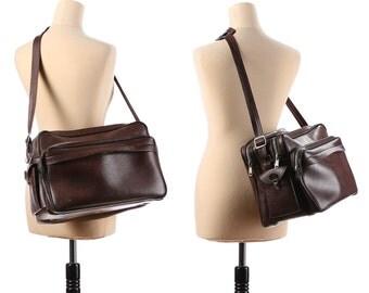 Travel Bag 1970s Weekend Shoulder Bag Vintage BOARDING BAG Faux Leather Vegan Large Traveler HIPSTER Gym Bag Brown Multi Zip Pockets