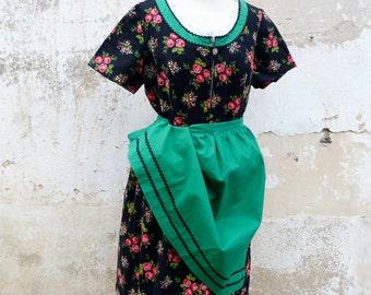 Vintage 1970/70s tyrol Austria October fest floral dirndl dress  + green cotton apron /size L/XL