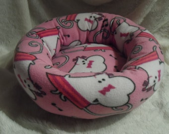 Singing Mouse  - Cat or Small Dog Bed