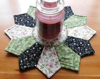 Green/White/Black spring flowered Reversible Candlemat; Miniature Quilt; Small Quilt;Table mat