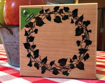 Hero Arts - NEW Ivy Wreath wood mounted stamp