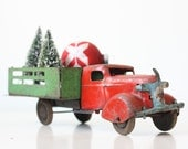 Vintage Toy Truck, Red and Green, Wyandotte, Christmas Decor