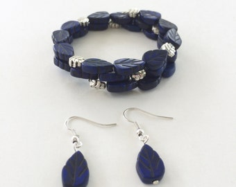 Lapis blue leaf bead memory wire bracelet with matching earrings - silver accents beads