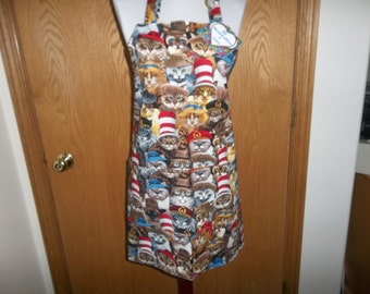 Cats in Hats Apron, Women's Full Apron, Reversible Apron, Apron with Pockets, Chef Apron, Novelty Apron, Kitchen Apron, Hostress Apron Gift