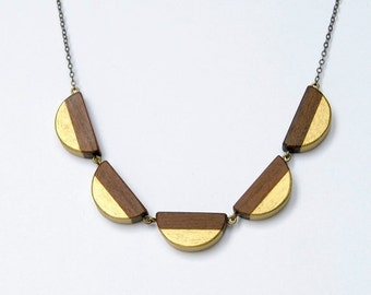 50 % off Scallop wooden dentelle - antique brass, wood and gold accent necklace