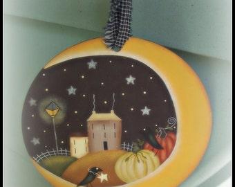 Fall-Autumn-Moon-Saltbox-Large Wood Circle Ornament