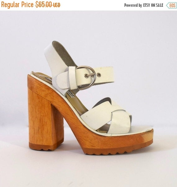 SUMMER SALE / 20% off Vintage 90s does 70s Chunky White Leather and Wood Platform Sandals (size 5)