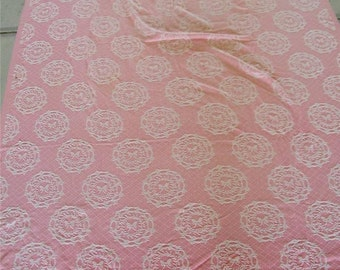 Vintage Pink Woven Wreath Bow Coverlet Tablecloth 12182 Cutter Blanket