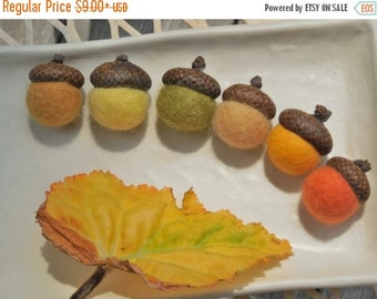 end of summer SALE 6 felted acorns /Autumn Colors / option to choose as an ornament