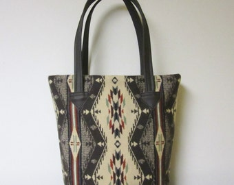Bucket Bag Purse Tote Bag Wool Brown Leather 5 Pockets Spirit of the People Wool from Pendleton Oregon