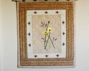 daisy wall hanging for home decor, hand embroidered daisy, daisy and honey bees home decor