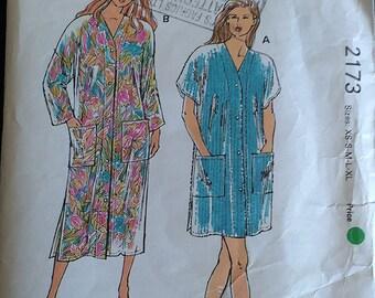 Kwik Sew Misses Robe Pattern 2173