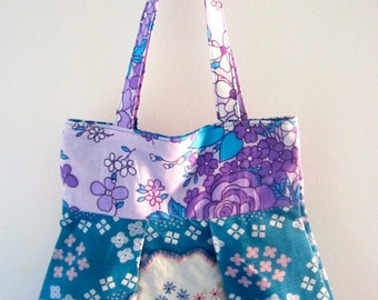 Sweet bag with doily motif