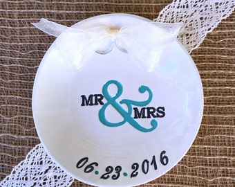 Mr & Mrs Wedding Ring Pillow Alternative, Ring Bearer Pillow,Wedding Ring Holder, Ring Dish Personalized, Ring Dish Wedding,Ring Warming