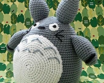 MADE TO ORDER --- Totoro / Amigurumi Totoro / Crocheted Totoro / Handmade Totoro