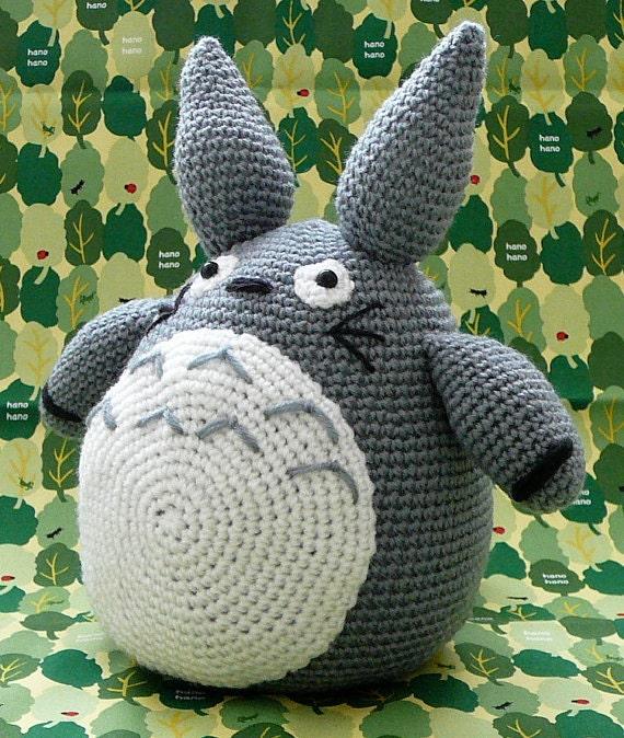 Tiny Totoro Amigurumi : MADE TO ORDER Totoro / Amigurumi Totoro / by JapanKawaiiYa