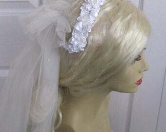 bridal veil . Beaded Bridal Veil . beaded headband veil .  Beaded white Headband . short veil . first communion veil
