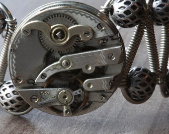 Steampunk Jewelry - Bracelet - Antique watch movement