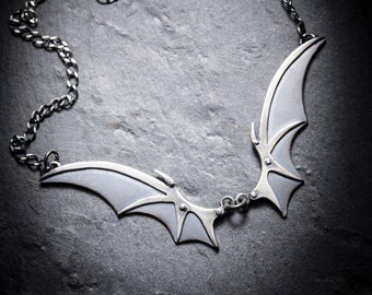 IMMORTEL Vampire wings necklace