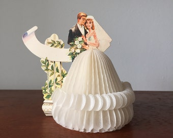 Vintage Bride and Groom Paper Figurine Place Card with Honeycomb Wedding Dress | Made in Denmark