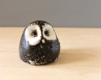 Owl figurine, 1970s Pigeon Forge Pottery of Tennessee. Douglas Ferguson design.