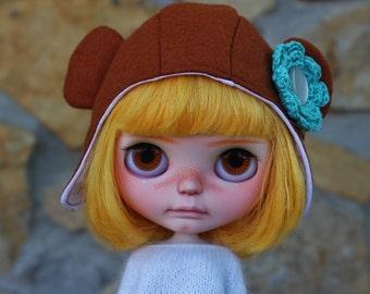 Pocket Full of Posies helmet for Blythe