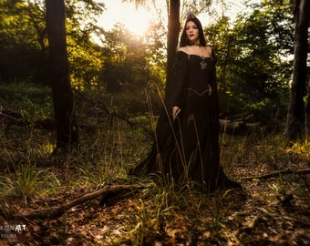 Gothic dress Raven Queen made to measure, fairy tale dress evil queen ravenna, once upon a time dress, gothic wedding dress, gothic ballgown
