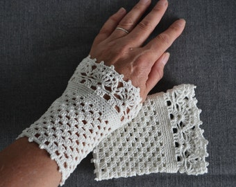 Lace crochet wristlets, cotton, P490