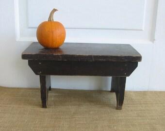 Vintage Black Wood Stool, Wood Bench Ottoman, Industrial Stool, Industrial Decor, Primitive Stool, Vintage Halloween Decor