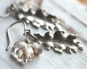 Free shipping. Perfect Hostess Gift for Thanksgiving Day Wire-wrapped glass faceted leaf bead Earrings. Silver Leaves