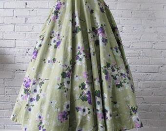 "1950s Floral Print Full Circle Cotton Sateen Skirt, 24"" waist"