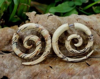 Fake Gauges Earrings,tribal style,hand carved,wood Earrings ,Tribal Expander Split,organic